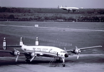 N7322C TWA L-1649AFRA ca 1961
